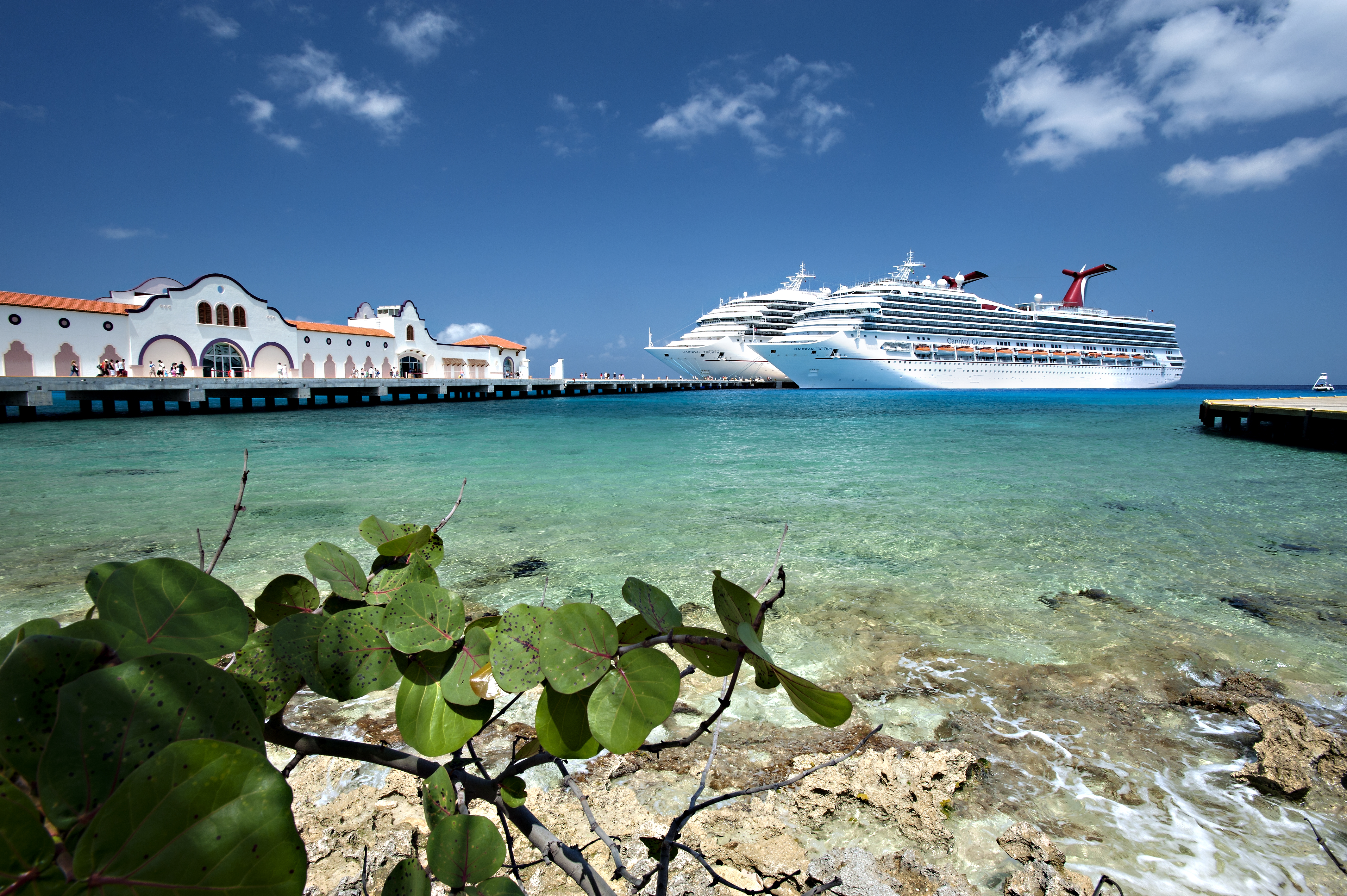 Carnival-Cruise-Lines-Carnival-Glory-Schip-Cozumel-1